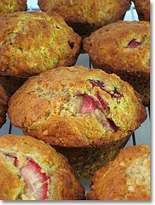 Strawberry Rosemary Muffins / JillHough.com