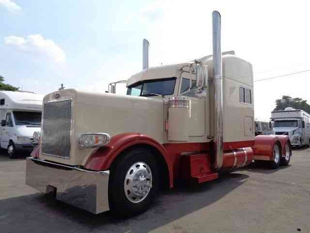 PETERBILT 379 EXTENDED HOOD CUSTOM (2001)  Sleeper Semi Trucks