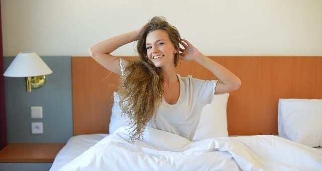 仕事や勉強、やる気の大敵!睡眠不足の原因と対策