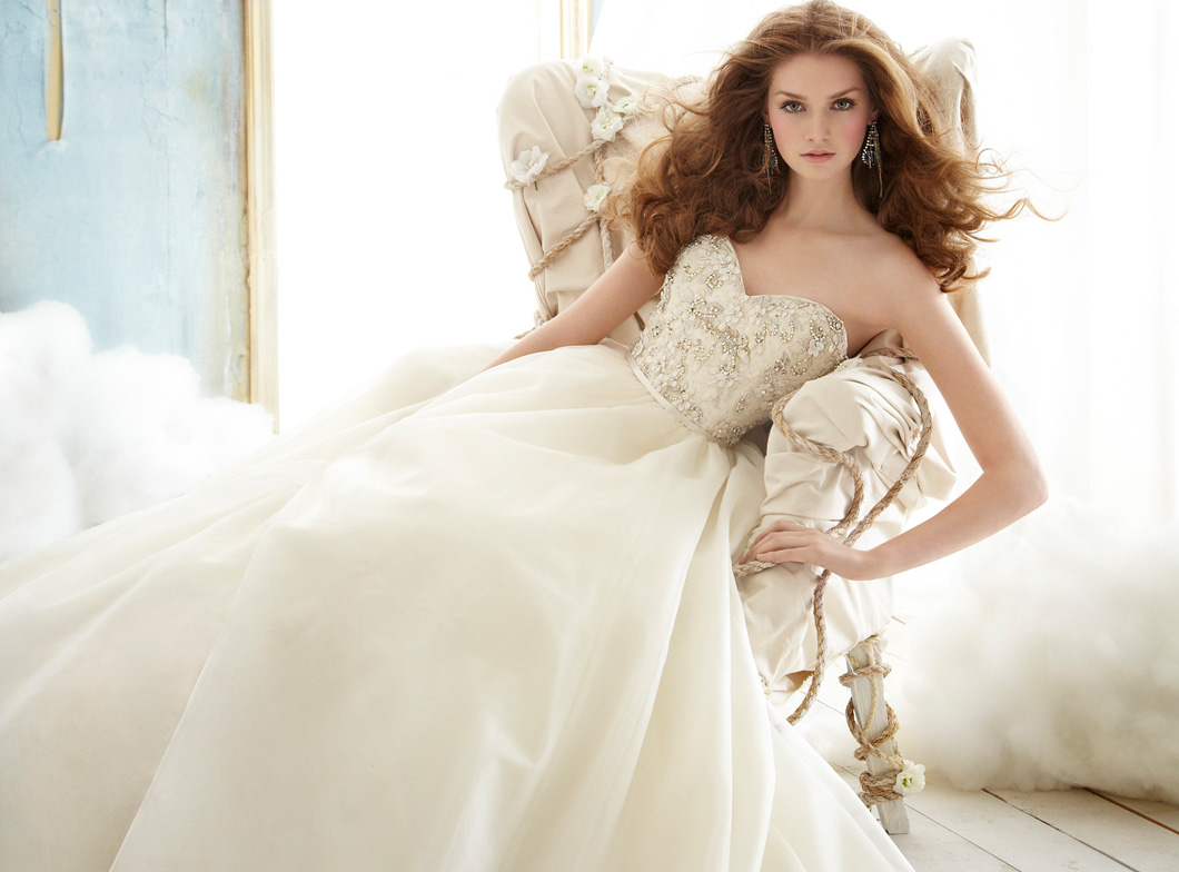 wedding dresses websites Lace wedding dresses