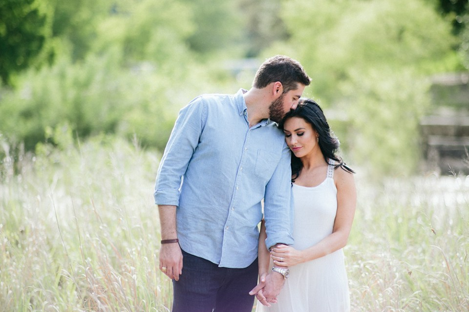 bull-creek-engagement-photography-austin-12