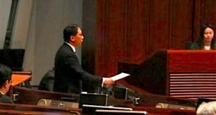 律政司司長袁國強表示,考慮把內地法律納入《基本法》附件三,又認為現時指做法違反一國兩制過於武斷。(李峻逸攝)