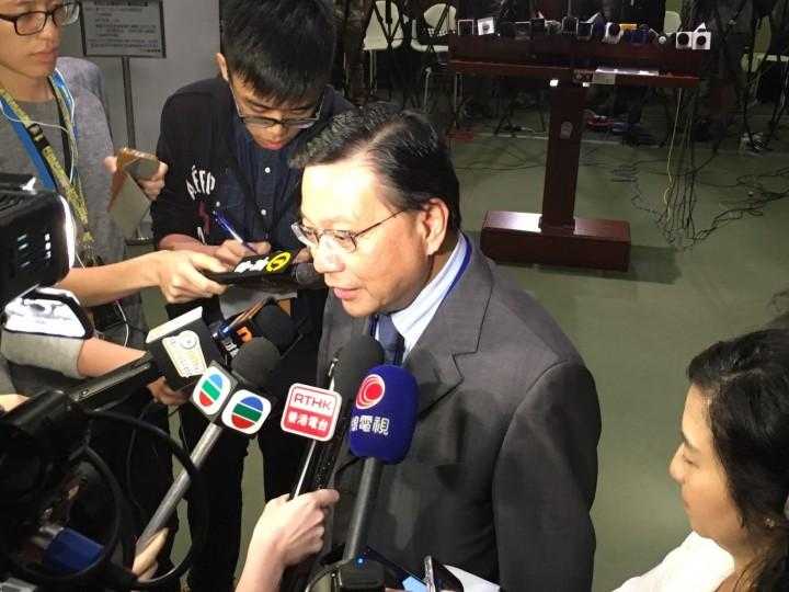 運輸及房屋局長張炳良在立法會回應表示,過去曾與陳帆合作,認為對方是出色的工程師。