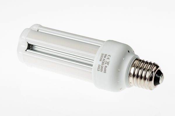 9 Watt Natural White Led Corn Bulb With Frosted Cover Jnled