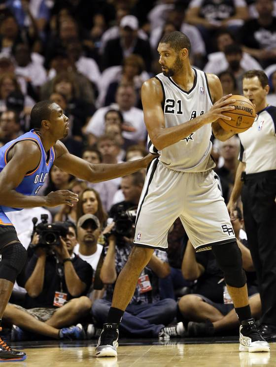 Sand Spurs Tim Duncan Can Still Dunk Kids; Tim Vs. Serge Ibaka [video