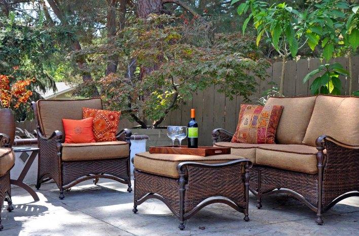 Small Space Garden Design Tips Less Is More Joe Gardenerr