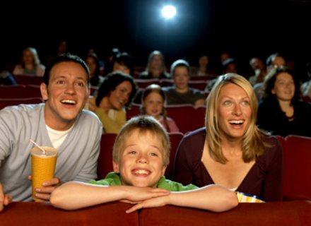 movies-kids-watching-1040cs123011
