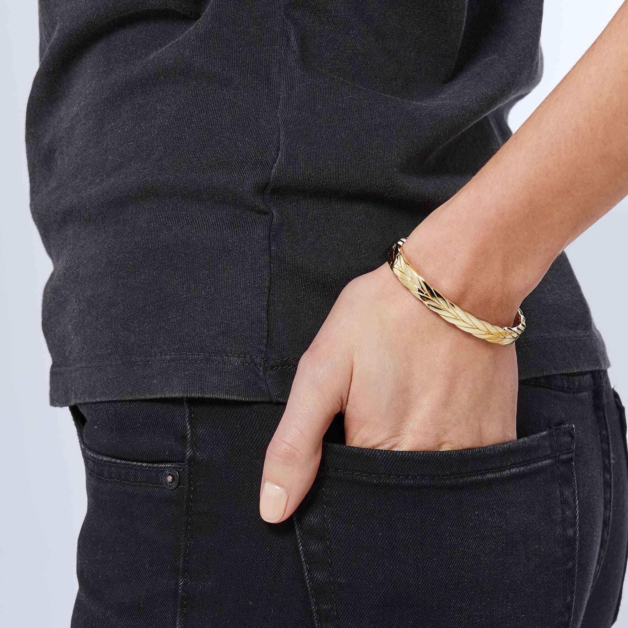 8mm Jeans Modern Chain 8mm Hinged Bangle In 18k Gold