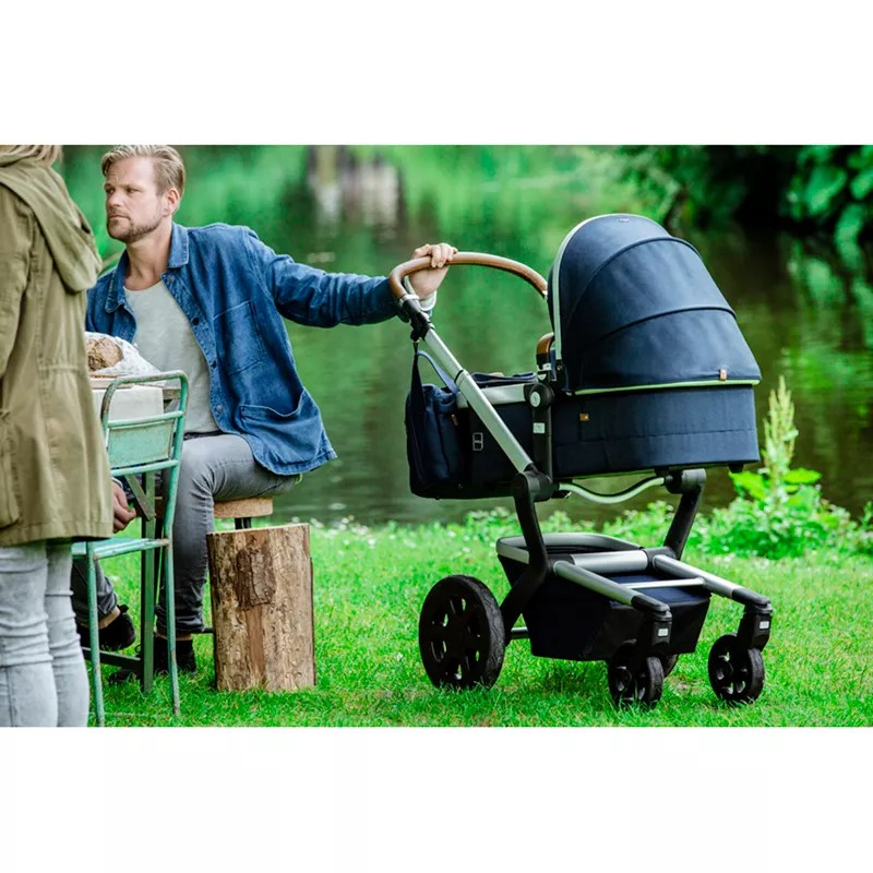 Joolz Day 2 Earth Youtube Joolz Day2 Earth Pushchair With Carrycot Parrot Blue
