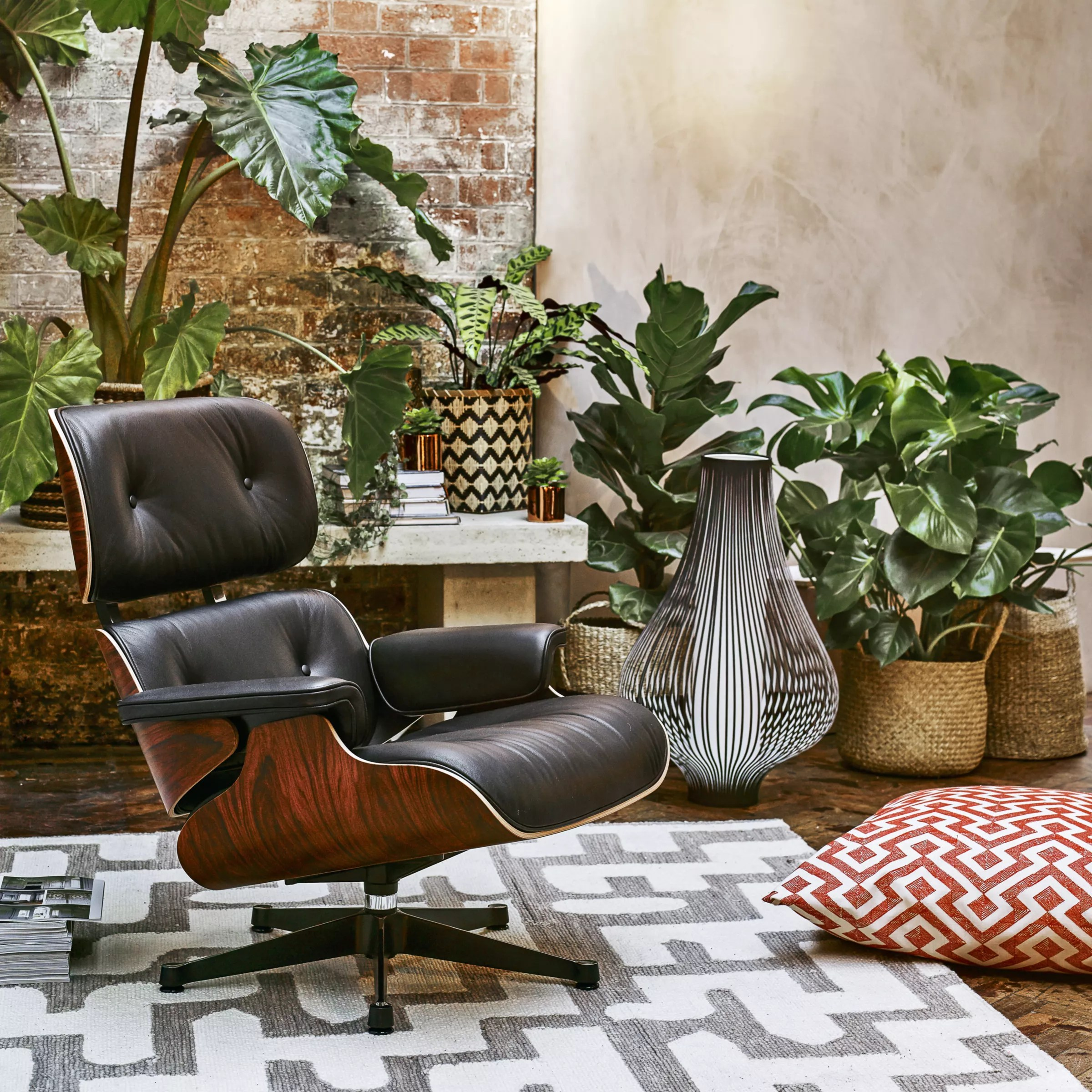 Vitra Eames Lounge Chair Black Vitra Eames Lounge Armchair Black Pallisander Shell