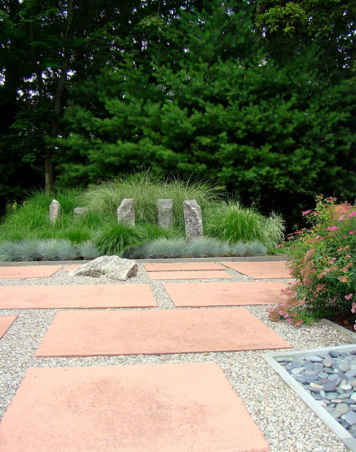 Rock And Stone Garden Design With Sculpture