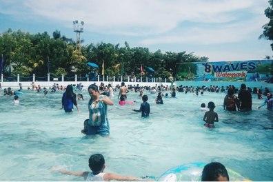 8 Waves Waterpark Resort