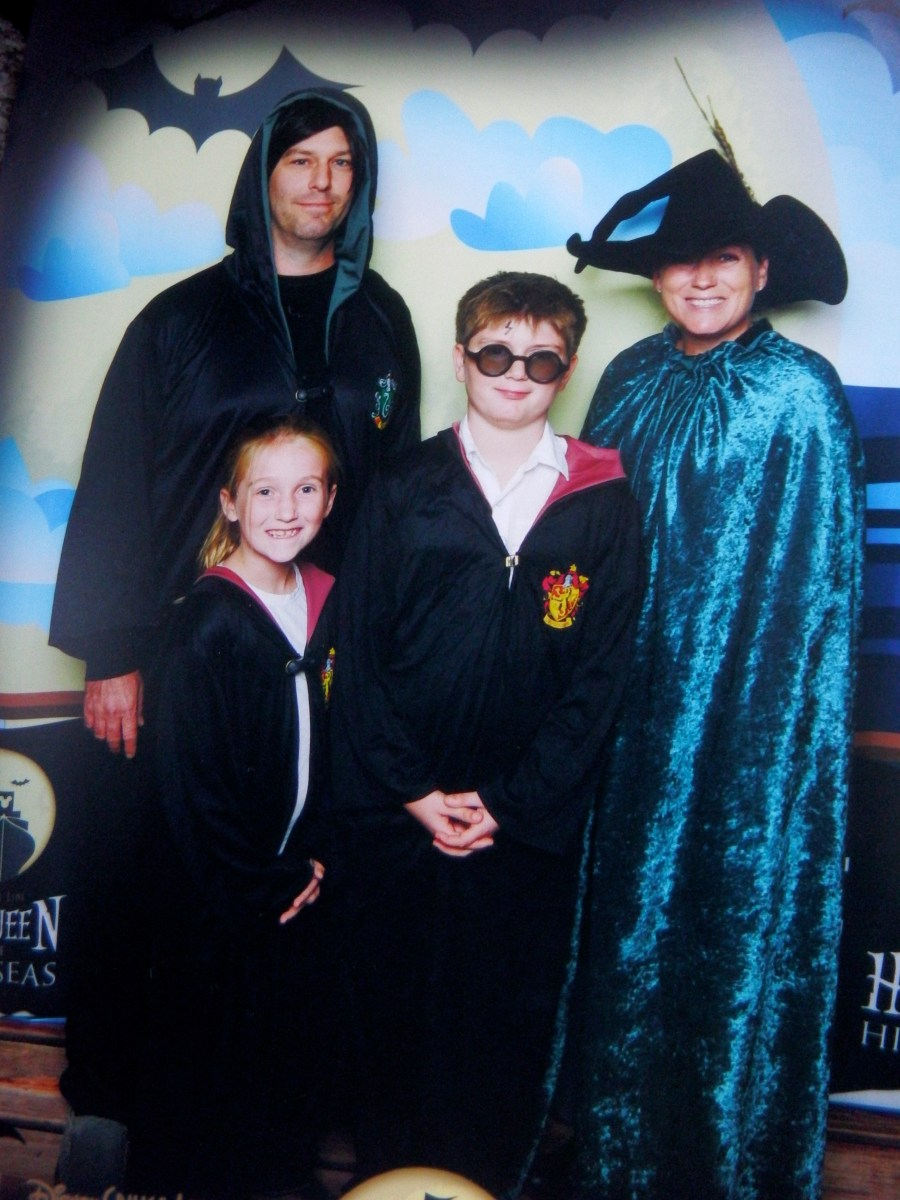 How To Create an Easy, No-Sew Harry Potter Character Robe
