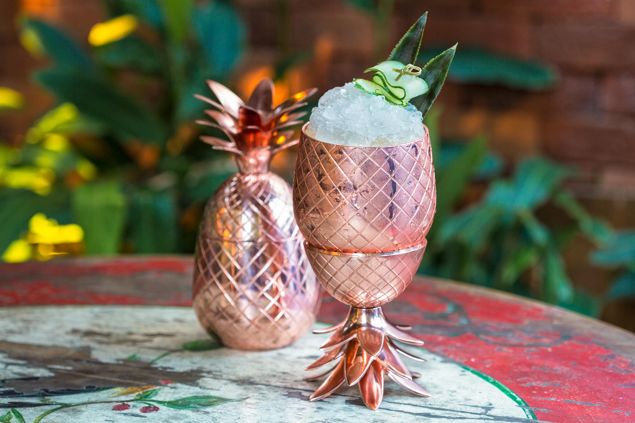 Drink no abacaxi e com leve toque de cardamomo. Foto: Raphael Criscuolo.