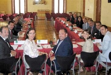 La Junta encarga un estudio para refinanciar la deuda del campo