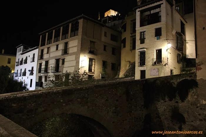 Paseo de los Tristes de Granada. Río Darro