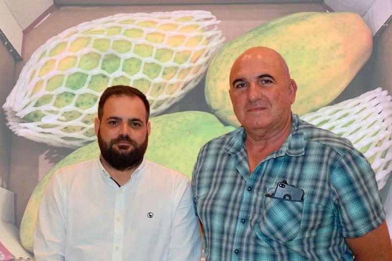 Iván Rodríguez, director de la Delegación de Anecoop en Almería y Paco Barranco, presidente y productor de papaya