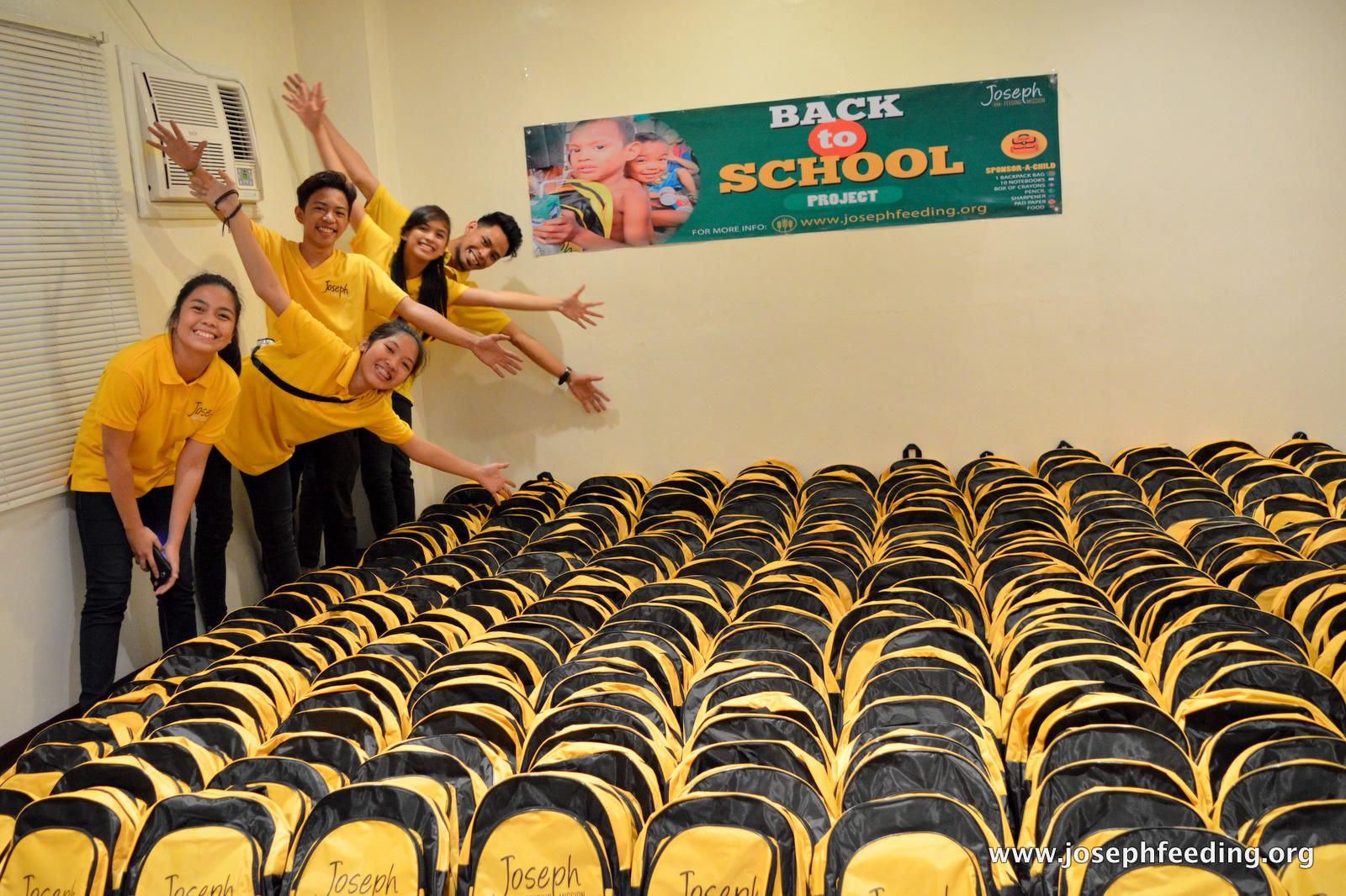19-JFM-1606-BACK TO SCHOOL BAG REPACKING-018
