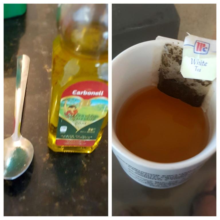 Aceite de oliva extra virgen y te blanco