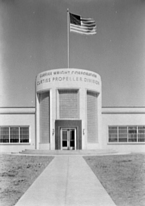 Curtiss-Wright_entrance_Cladwell_NJ_1941