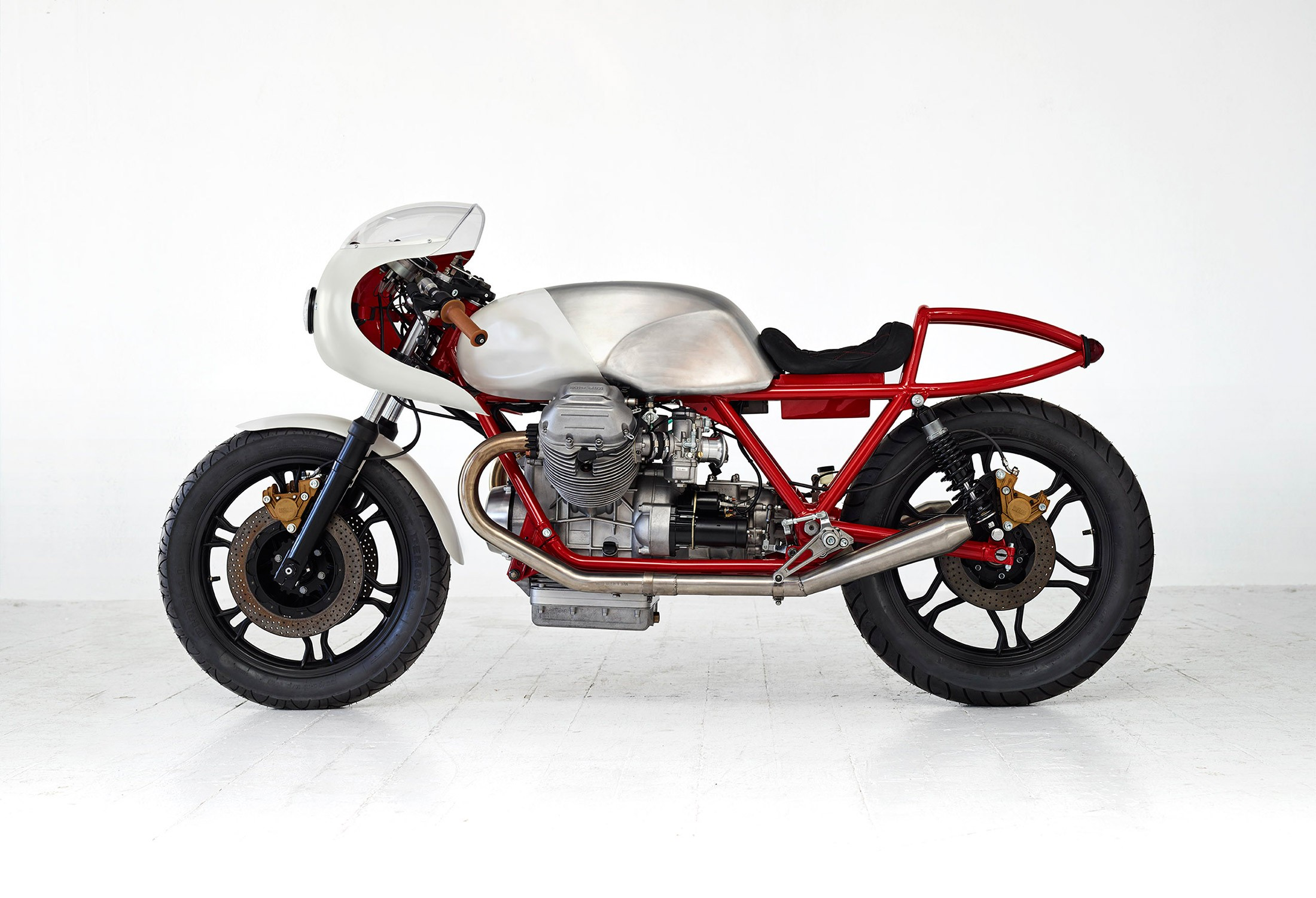 Canapé Modulable Hornet Moto Guzzi Airtail Par Death Machines Of London Journal Du