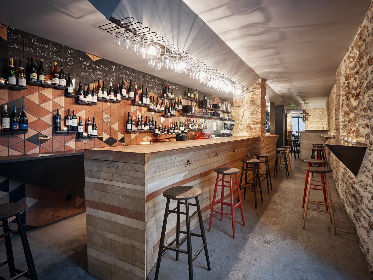 Mobilier De Bar Restaurant Woodwine, Bar à Vins à Paris Par L'atelier Jmca - Journal