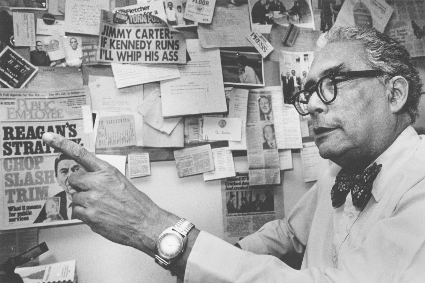 Simeon Booker, shown in 1982, spent decades leading the Washington bureau for Jet and Ebony magazines. (Credit: Fred Sweets/ Washington Post)