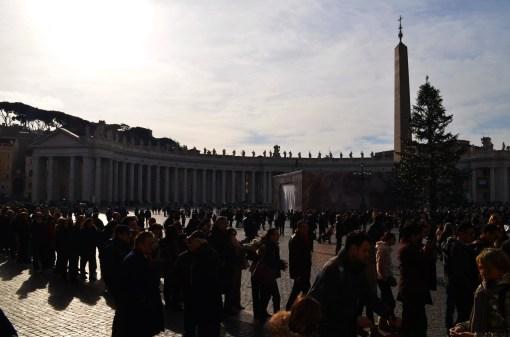 Ватикан. Очередь к Собору Святого Петра