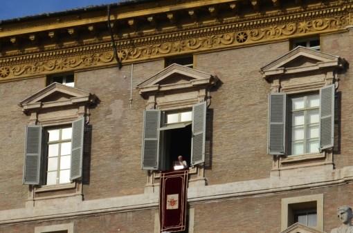 Ватикан. Папа Римский произносит речь