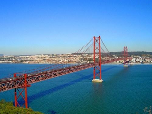 Мост имени 25 апреля