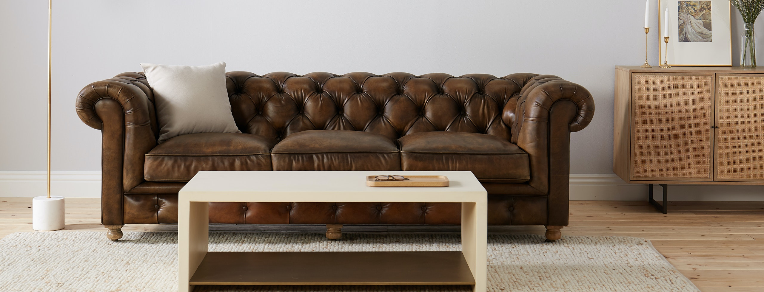 Sofa In Chesterfield Look Liam Leather Sofa