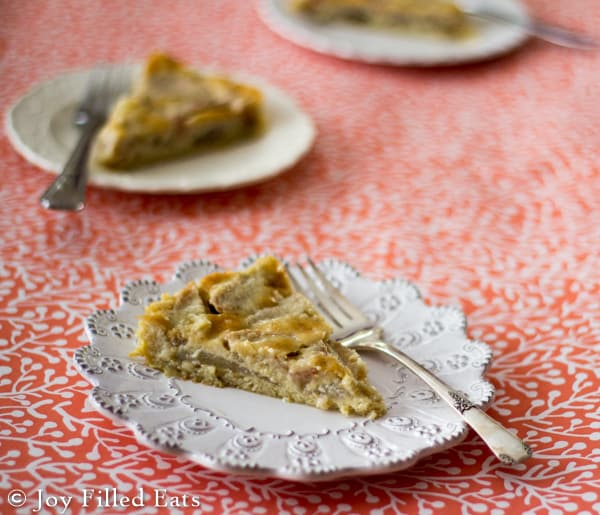 With creamy vanilla custard over ripe pears this Pear Custard Pie is worth every bite. Low carb (10 net per slice), sugar/grain/gluten free, THM S Helper.