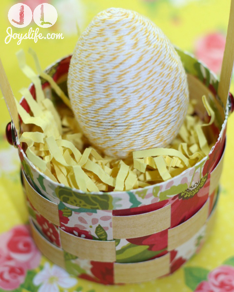 Twine Wrapped Easter Egg with Glue Dots #Easter #EasterEgg #GlueDots #DIY #Twine