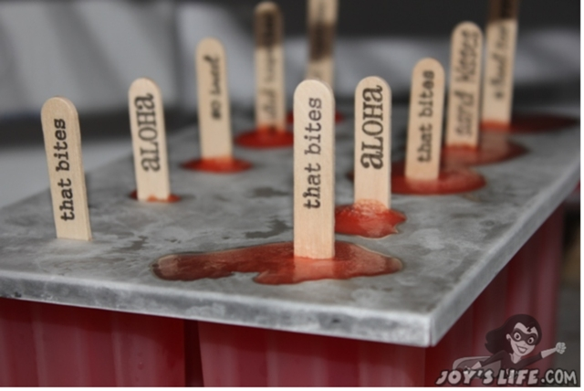 How to Stamp on Popsicle Sticks & Popsicle Recipe #popsicle #summercrafts #crafts #joyslife