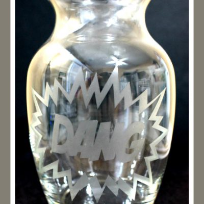 Glass Etched Vase like Comic Bang