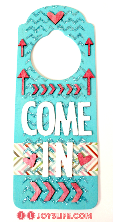 Craft Room Door Hanger with Mod Podge Rocks Stencils #ModPodgeRocksStencils #DoorHanger #MixedMedia