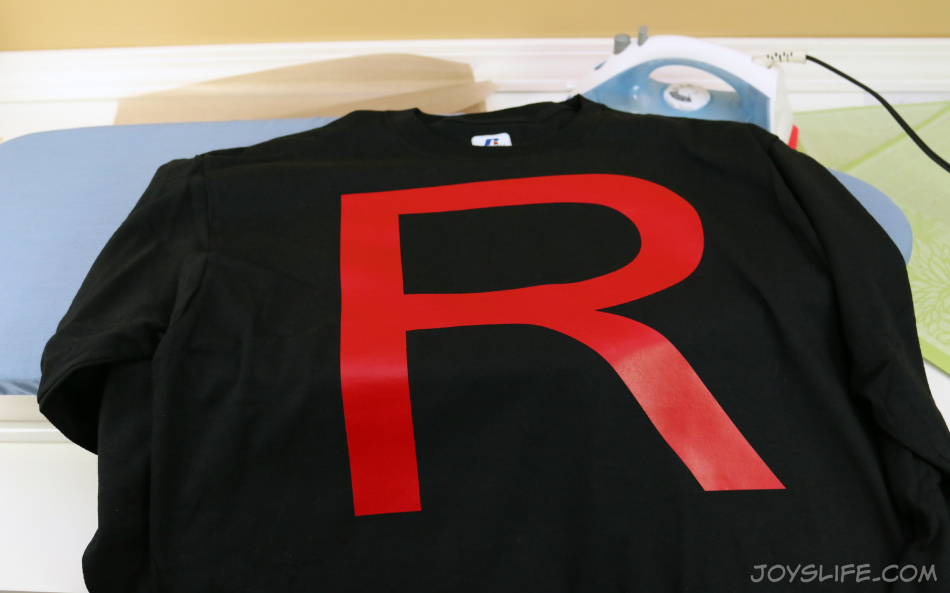 How to Make a Pokemon Team Rocket Grunt Costume PLUS Iron On Vinyl Tutorial #Pokemon #TeamRocket #Halloween #Costume #TshirtVinyl #tutorial #diy