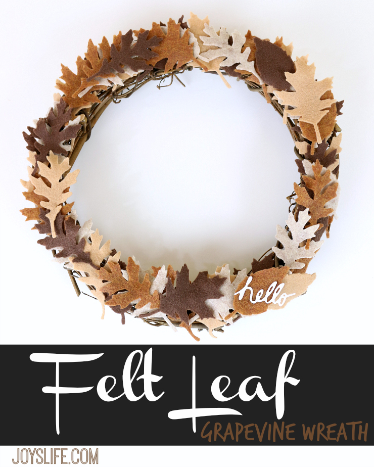 How to Create a Felt Leaf Grapevine Wreath #Wreath #Craftwell #felt #TimHoltz #CutNBoss #TeresaCollins #HomeDecor #Autumn