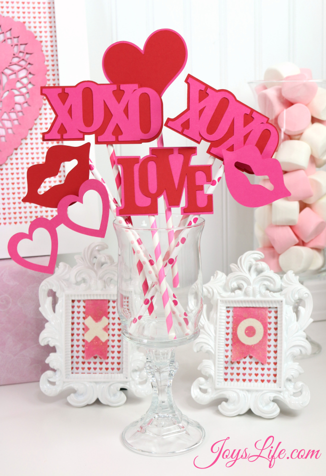 Valentine's Day Party Ideas Photo Props #CapriSunParties #Ad #SilhouetteCameo #LoriWhitlock