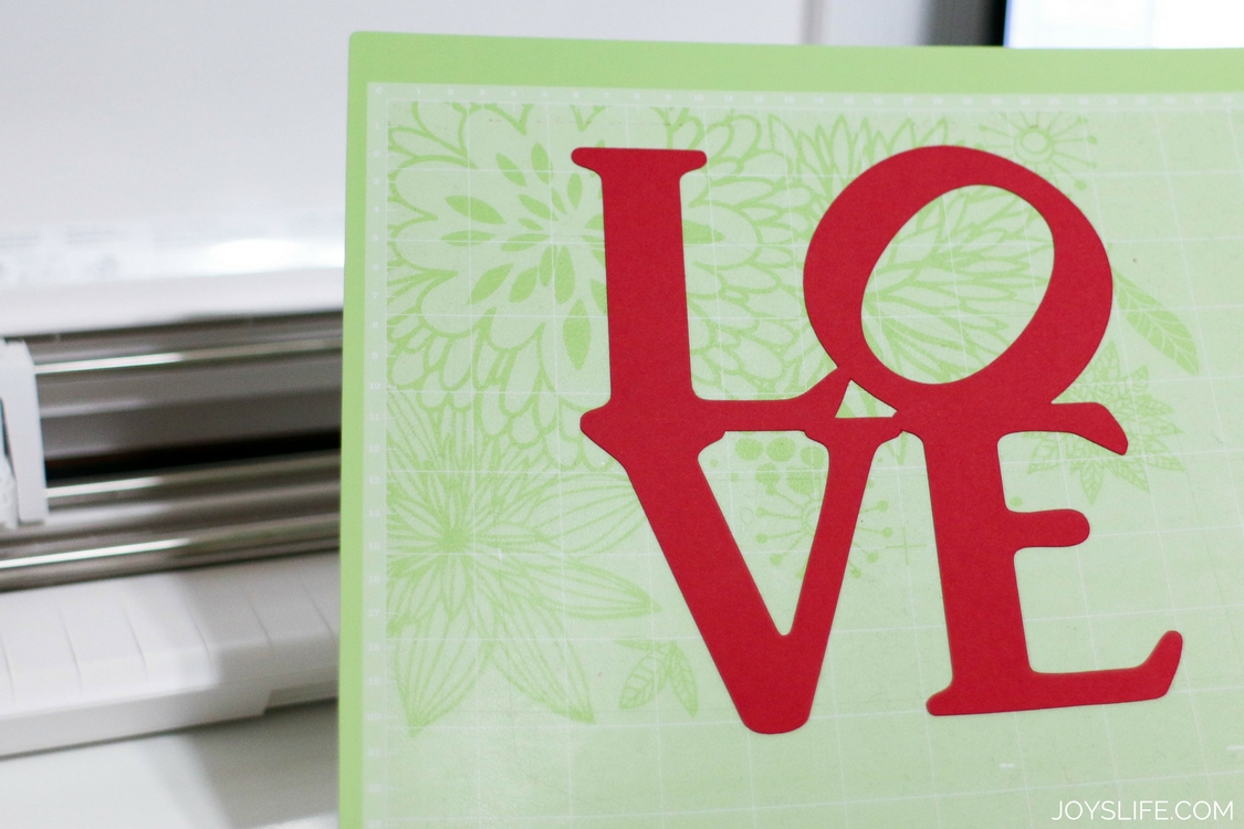Love word on Cricut Mat using Cameo 3