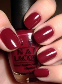 Dark red nails / nails - Juxtapost