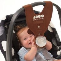 A bottle holder for the carseat! GENIUS!!! / babies ...