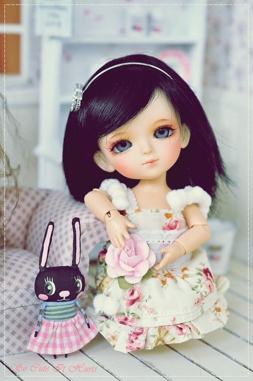 Cute Barbie Wallpapers 240x320 Cute Alone Dolls Pics Impremedia Net