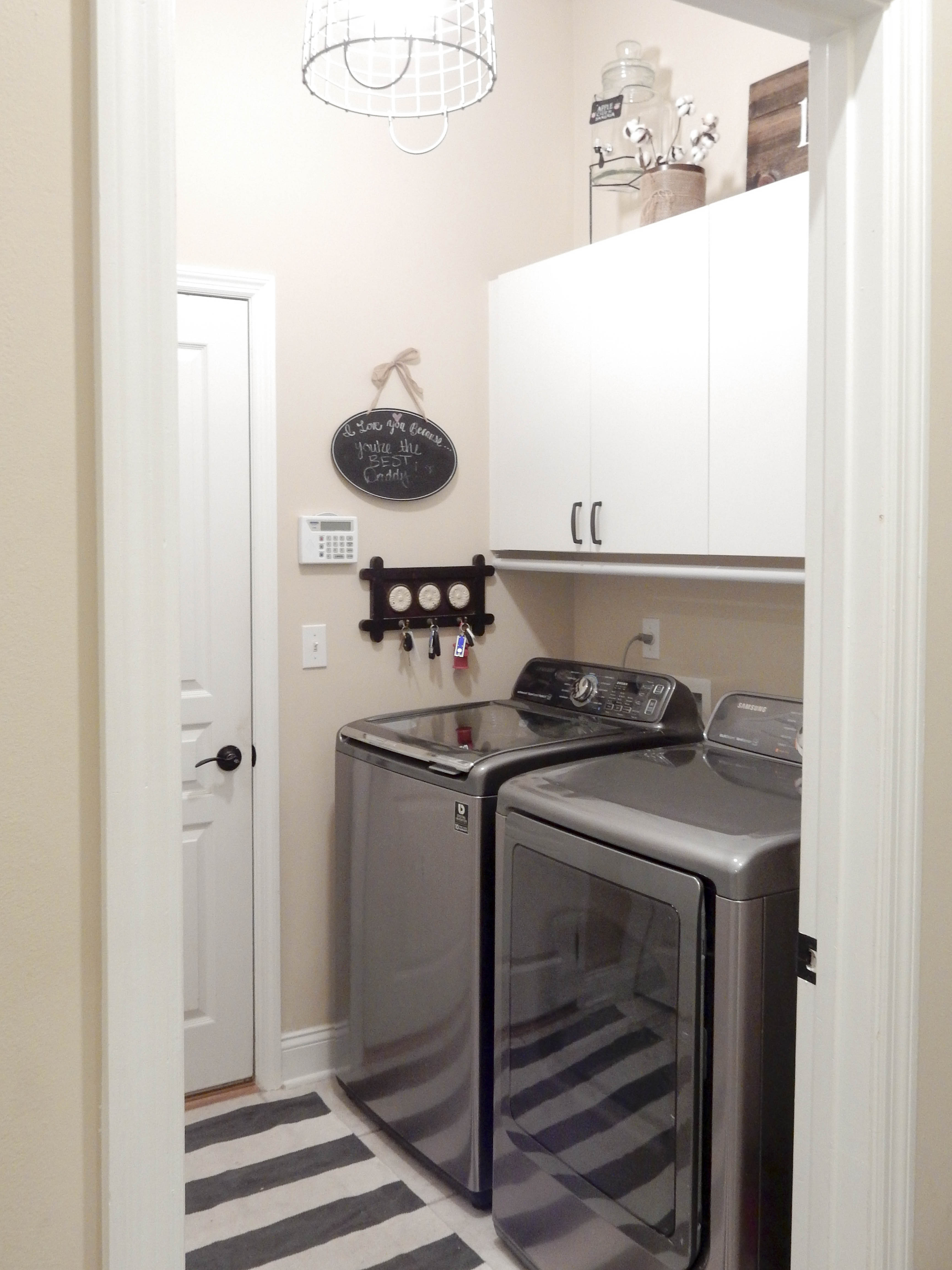 Farmhouse Laundry Room Floor Farmhouse Style Laundry Room 14 1 Jones Sweet Homes
