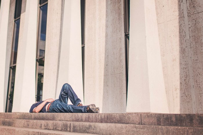 sleeping-on-sidewalk