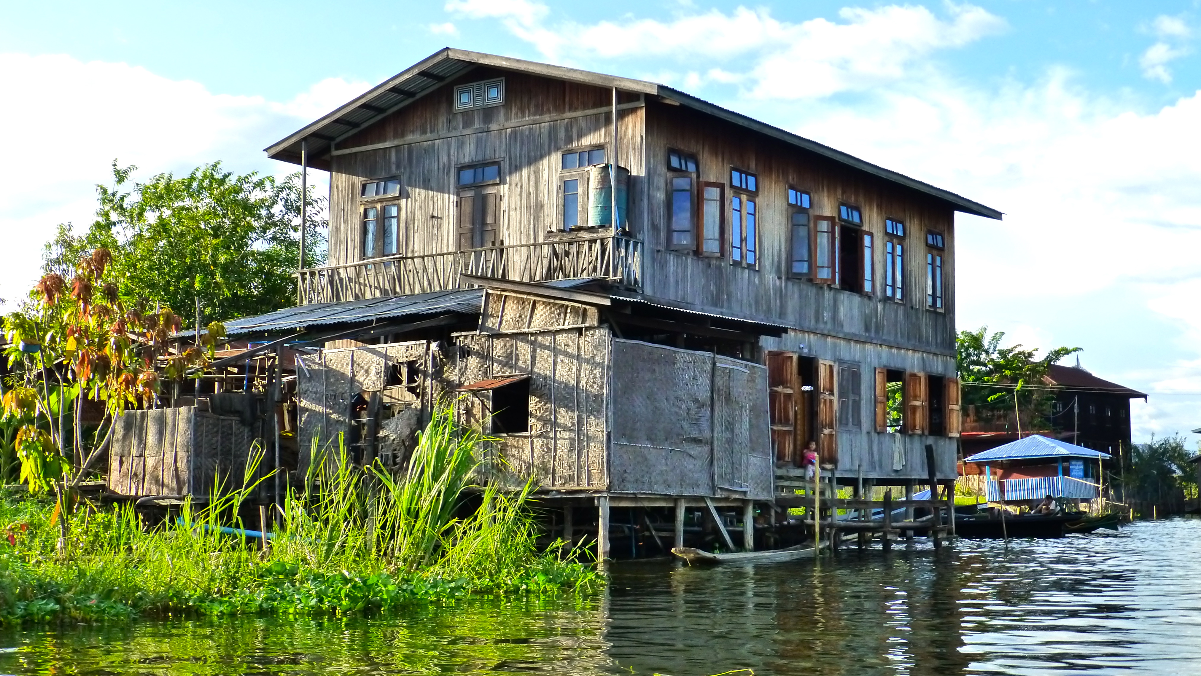 What Are The Different Styles Of Homes The Inle Princess Resort I See You See