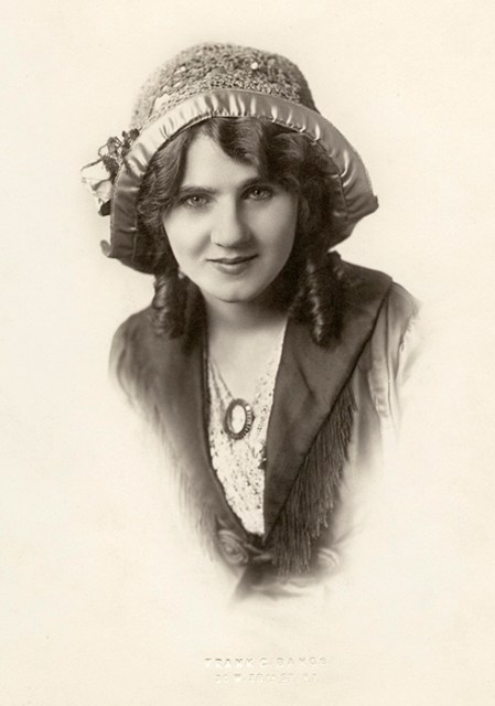 "Florence Lawrence, in 1908, when she was the ""Biograph Girl."""