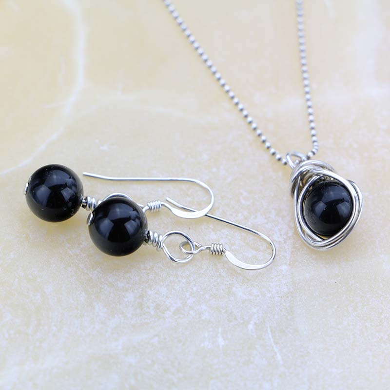 Black onyx pendant and earrings