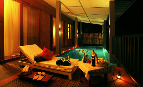 Jacuzzi Pool Temperature List Of Best Hotels In Munnar With Private Pool Villa