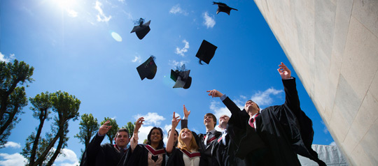 59 How To Succeed in College \u2022 The Money JAR - Junior Achievement Radio